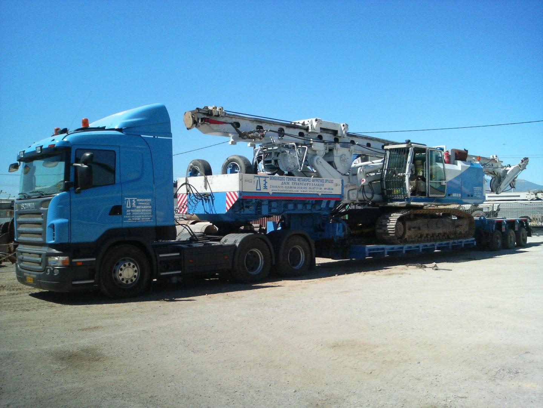 Μεταφορά διατρητικού μηχανήματος BAUER BG 25H